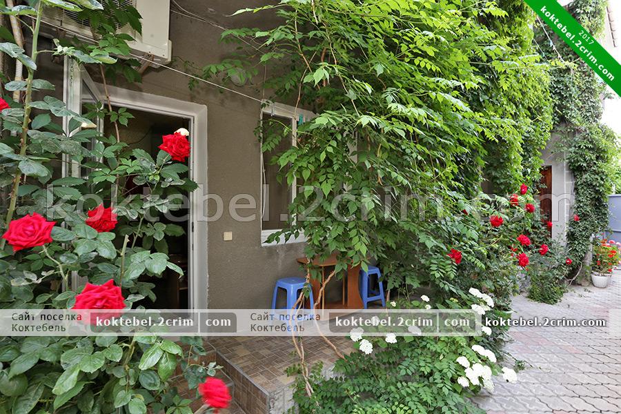 Главное фото - Частный дом на Ленина 117А в Коктебеле