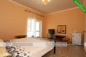 Номер с удобствами - частный дом на ул. Айвазовского 7 в Коктебеле, Феодосия