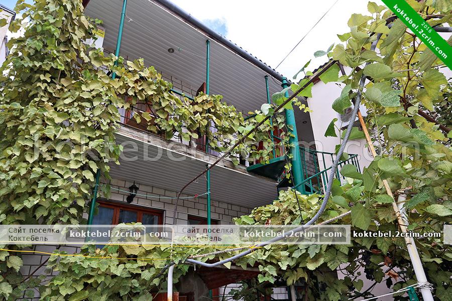 Главное фото - Гостевой дом Александра и Александры в Коктебеле