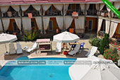 Бассейн -  отель Коктевилль в Коктебеле - Крым.