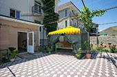 Двор - Гостевой дом Оазис в Коктебеле, Феодосия, Крым