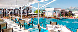 Столики - Бар у бассейна отеля Лекс в Коктебеле